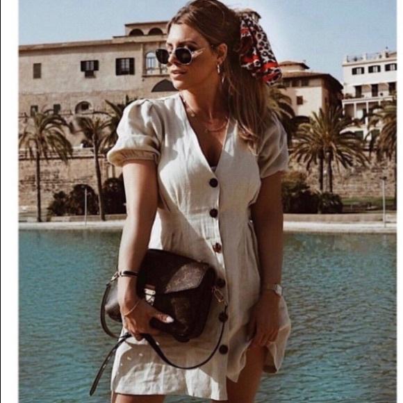 ca53ea0c6f5 Zara Buttoned Linen Dress. M 5b7973155fef370f36b94fa6